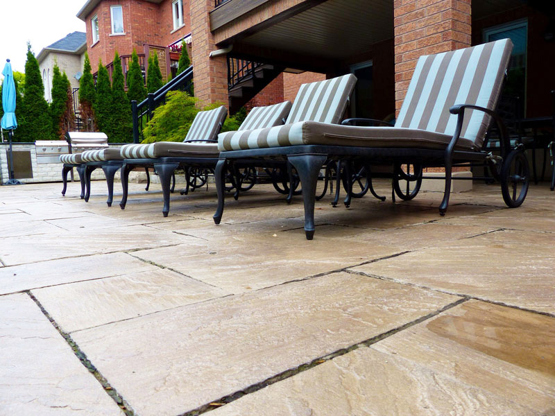 Pressure cleaning decks and patio stones